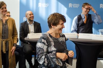 Lilianne Ploumen praat over Nederlanders buiten Nederland