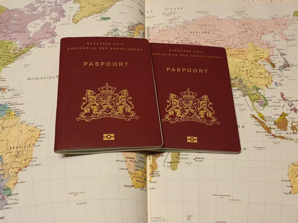 nederlandse paspoorten op atlas
