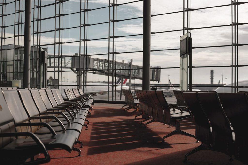 vertrekhal vliegveld